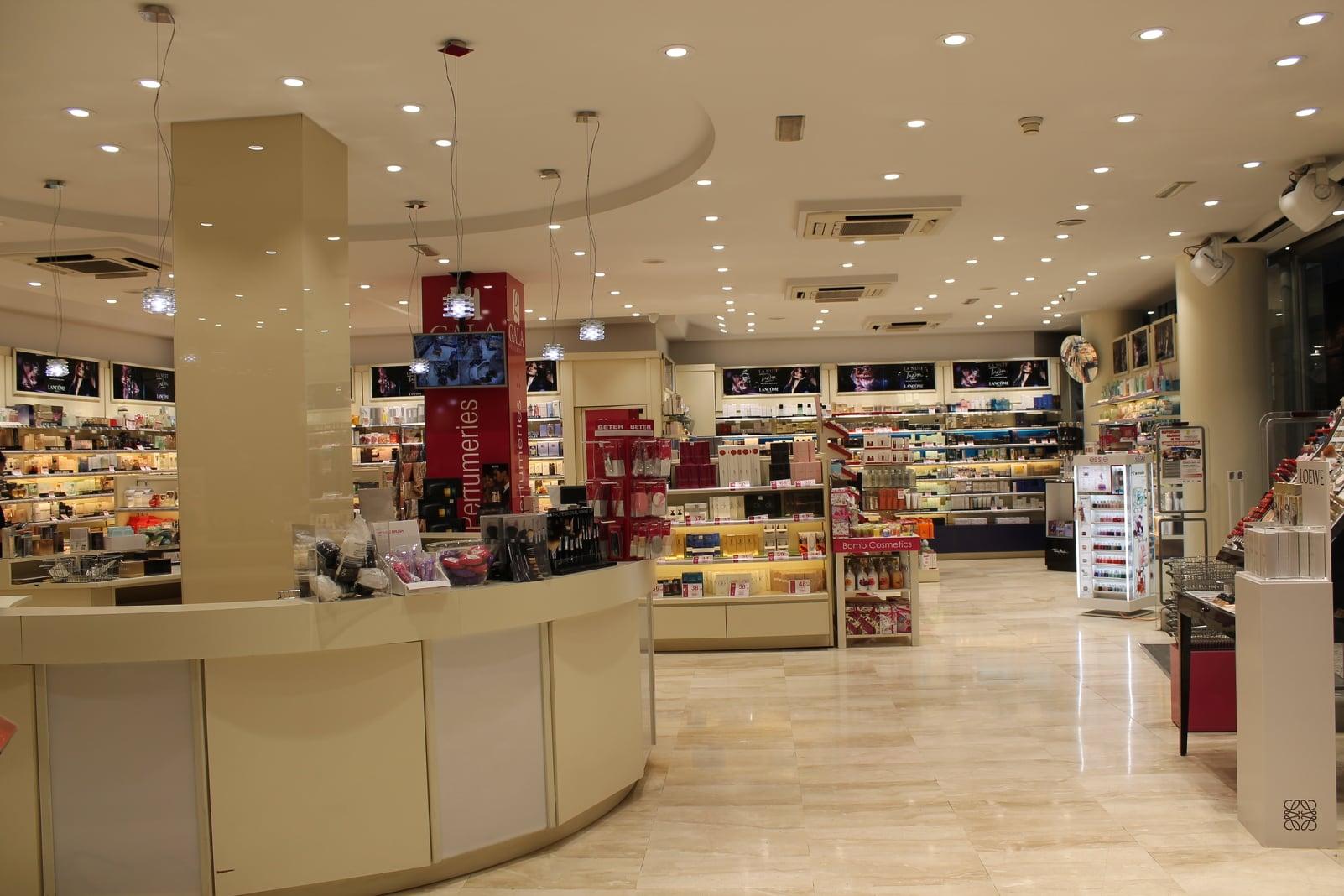 perfumerias-gala-andorra-perfumes-maquillaje-tratamientos-cremas